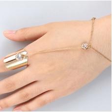Gouden Armor Met Kristal Hand Armband