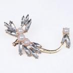 Gouden Parel Kristallen Libelle Ear Cuff