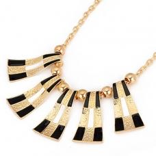 Goud Met Zwarte Gebogen Halsketting