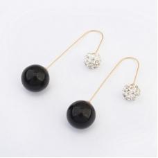 Zwarte Bal Met Kristal Ear Cuff